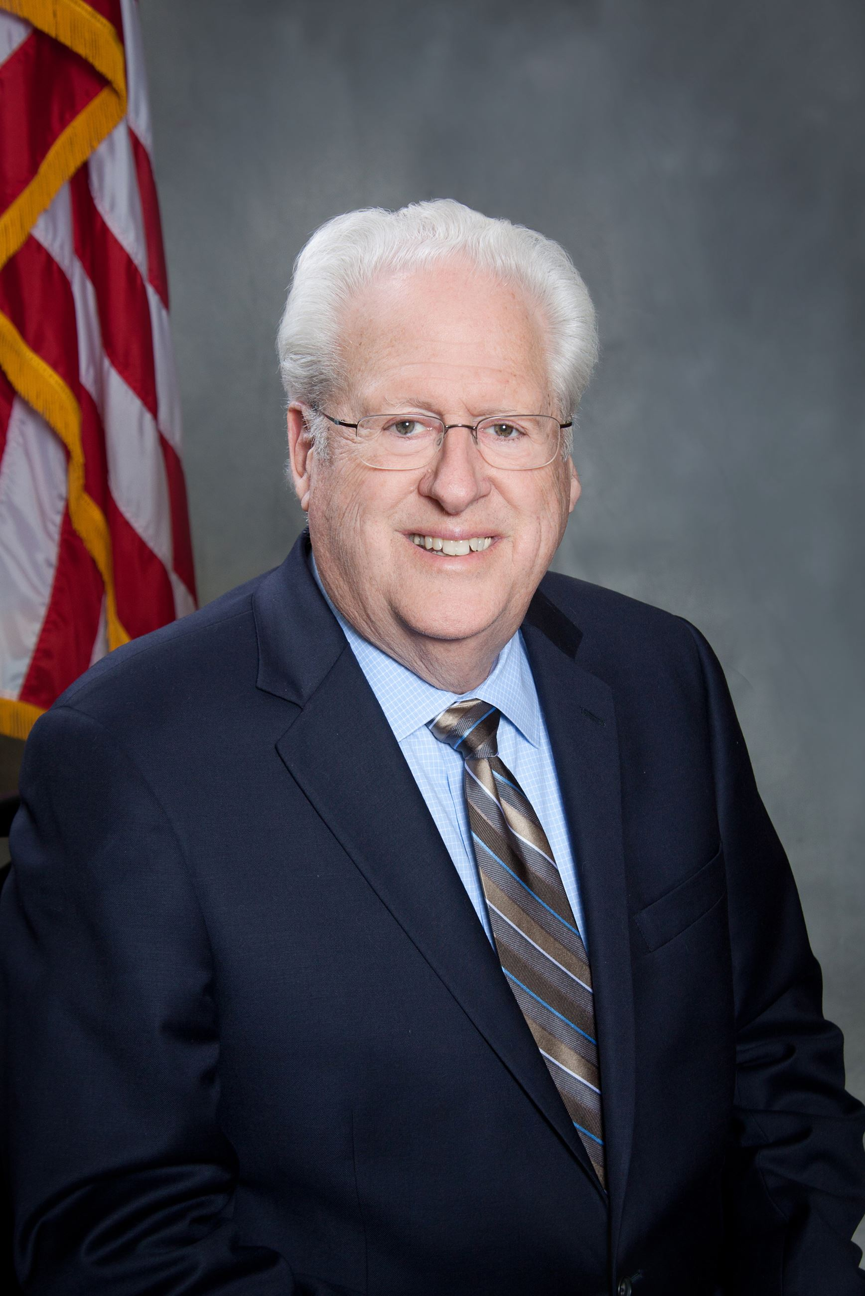 Photo of Councilmember Tim Curtis